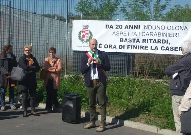 Induno Olona - Protesta per la Caserma dei Carabinieri
