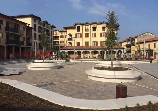 Piazza delle associazioni a Venegono