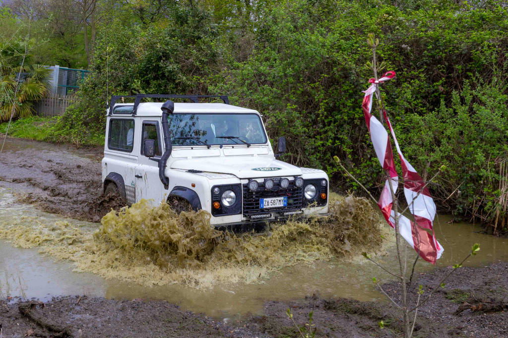 Raduno Land Rover Autosalone Internazionale a Mustonate