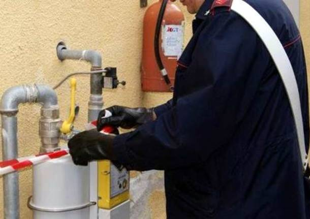 carabinieri contatori gas abusivi