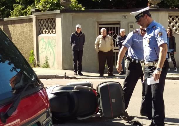 Scontro auto e moto in via San Giuseppe: arriva l\'elisoccorso