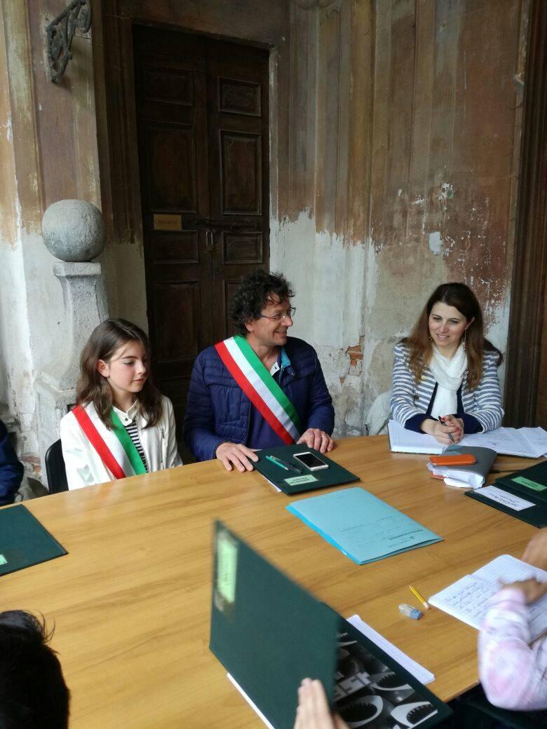 """Carola è il """"nuovo sindaco"""" di Azzate"""