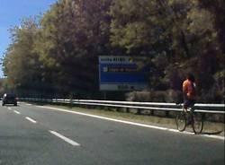 ciclista superstrada
