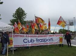 protesta lavoratori bertschi busto arsizio