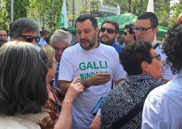 Matteo Salvini al mercato a Tradate