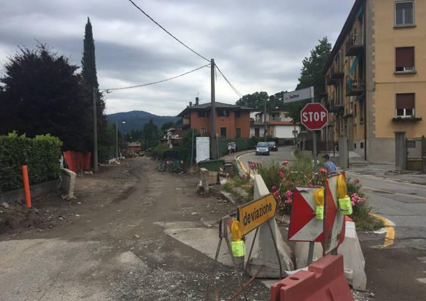 Via Luino, continuano i lavori
