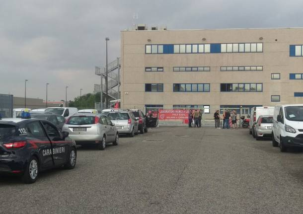 Milano, scioperano dei lavoratori di Amazon: nessuna consegna