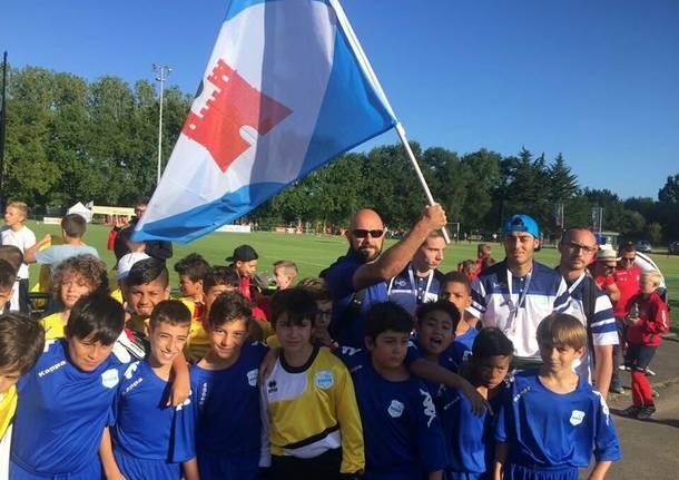Baby calciatori a Challans: l\'assessore Guaglianone fa il portabandiera