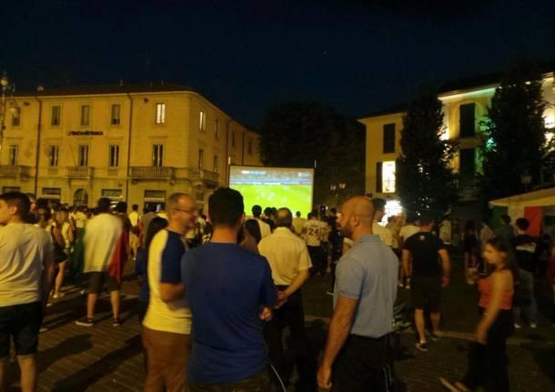 Maxi schermo in piazza Libertà per la Champions