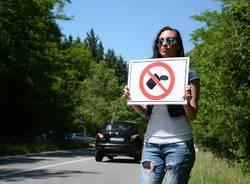 Il flash mob contro i rifiuti