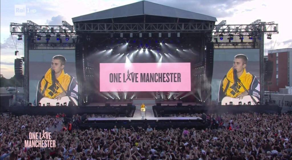 #onelovemanchester, un grande concerto contro la paura
