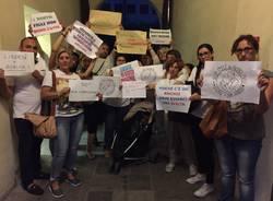 protesta vaccini genitori busto arsizio