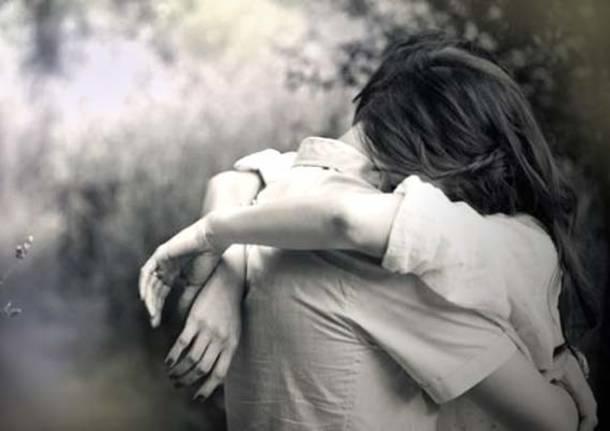 Risultati immagini per abbraccio