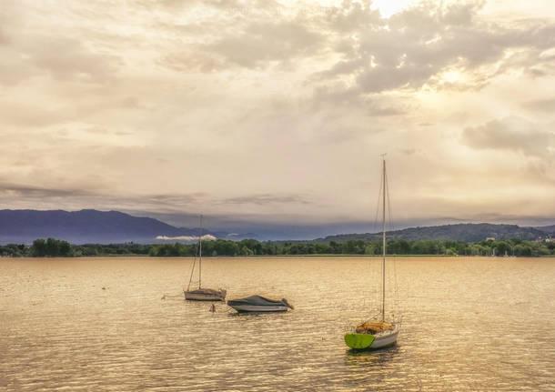 Si tuffa nel lago e annega: 20enne muore per una congestione