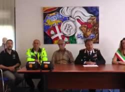 "\""Cislago Cuore\"" regala due defibrillatori ai carabinieri"