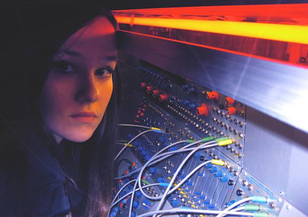 """La musica elettronica approda al museo MAGA                         Sabato 8 luglio al museo MAGA Caterina Barbieri presenterà il suo nuovo album dal titolo """"Pattern Of Consciusness"""", pubblicato da Importants Records."""