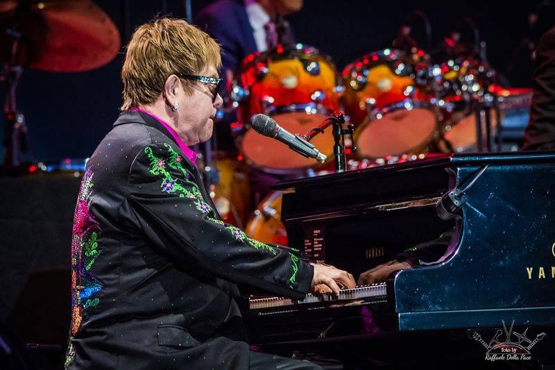 Elton John in concerto in Piazza Sordello a Mantova