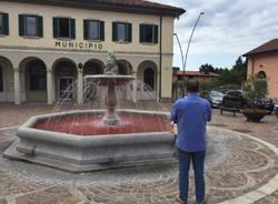 Fontana rosa a Gavirate