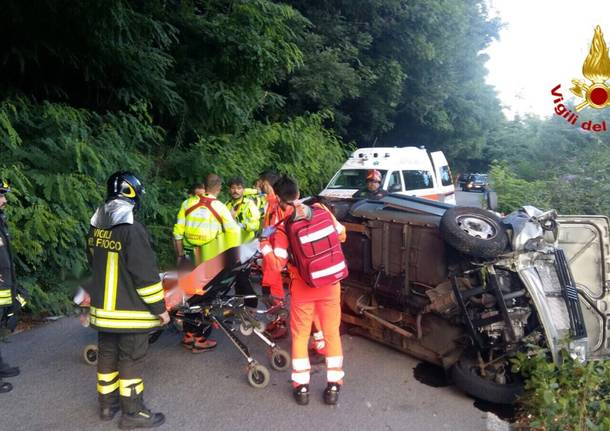 Incidente sulla sp29, automobile si ribalta