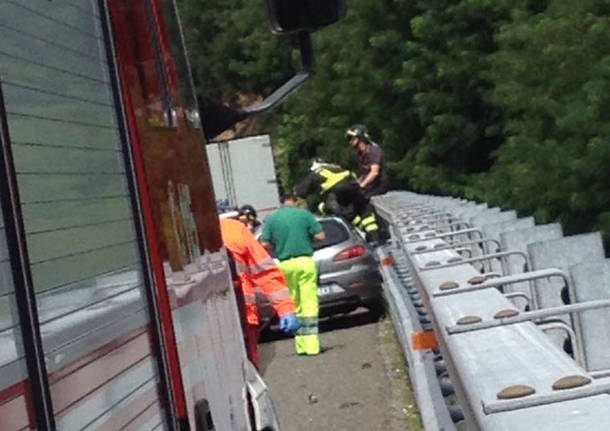 Incidente in autostrada a Besnate