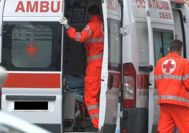 Via Filzi, fuga monossido in hotel: edificio evacuato, strada chiusa