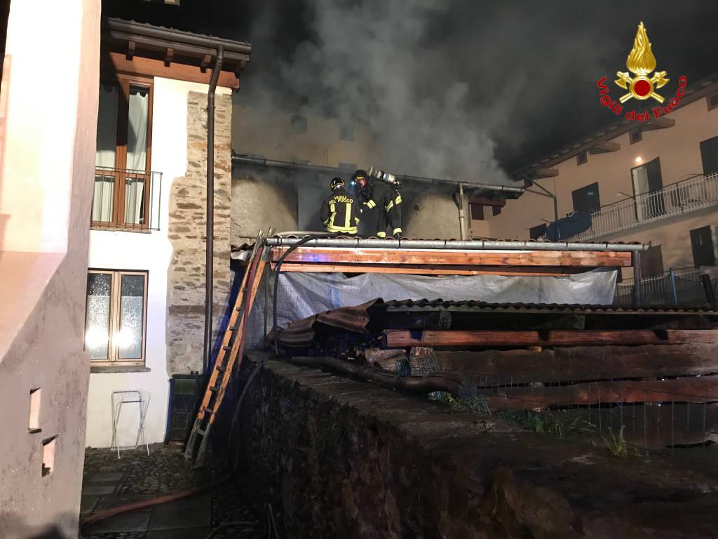Incendio distrugge un appartamento a Brissago