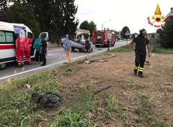 incidente auto ribaltata gorla minore vigili del fuoco