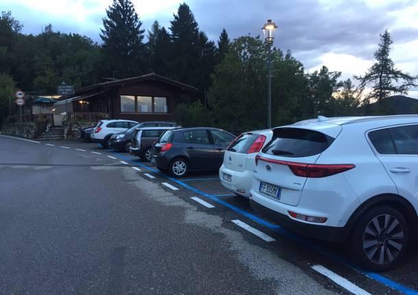 Strisce blu al Sacro Monte