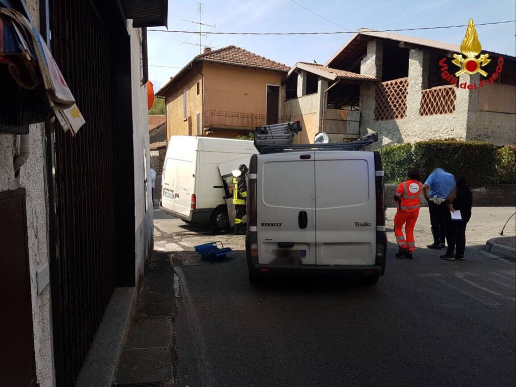 Incidente stradale a Sesto Calende