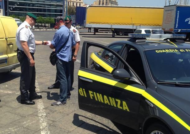 Fermato dalla finanza con oltre un milione di euro in titoli