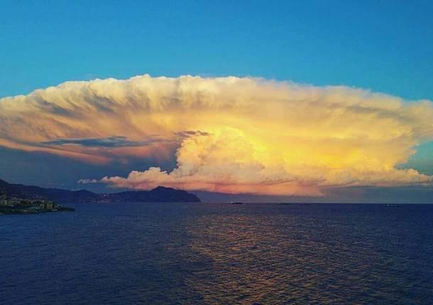 Il tramonto a Genova - foto di Roberto da Genova