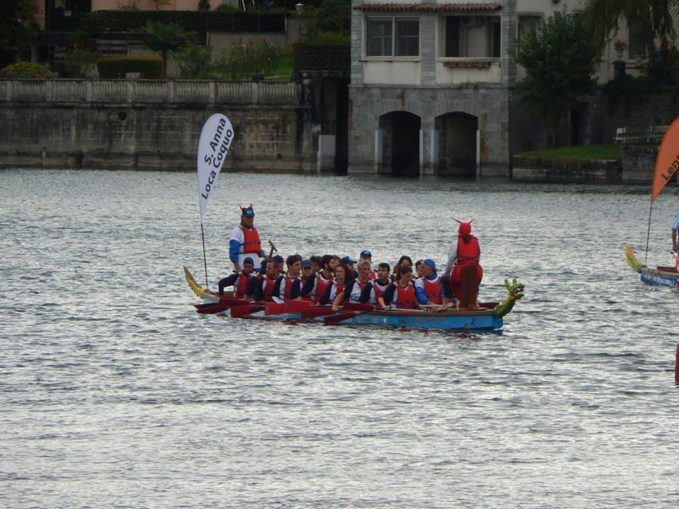 La gara di Dragon Boat a Sesto Calende