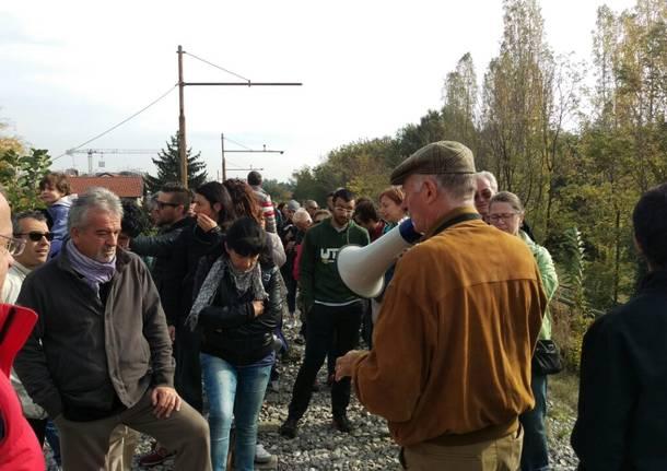Sbancamento dell\'ex Saronno-Seregno: camminata per dire no