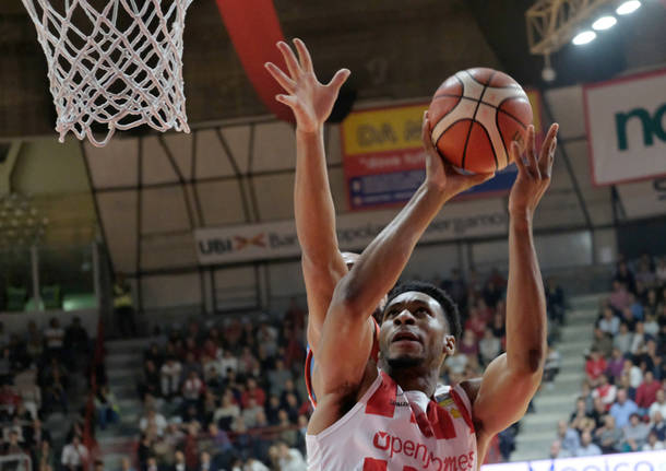 Openjobmetis Varese – Red October Cantù 95-64