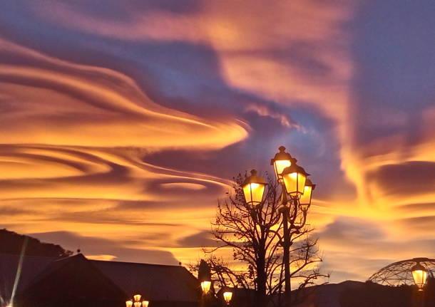 Un tramonto spettacolare perch - Disegno di immagini di veicoli ...