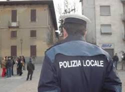Polizia locale multa i richiedenti asilo per bivacco