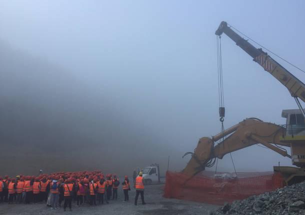 Duecento studenti in visita alla miniera della Colacem