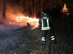 Incendio Campo dei fiori, la notte dei vigili del fuoco, 30 ottobre