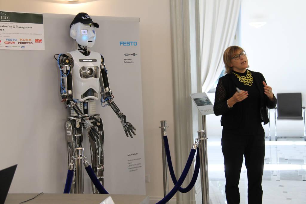RoboThespian, l'umanoide 4.0 alla LIUC