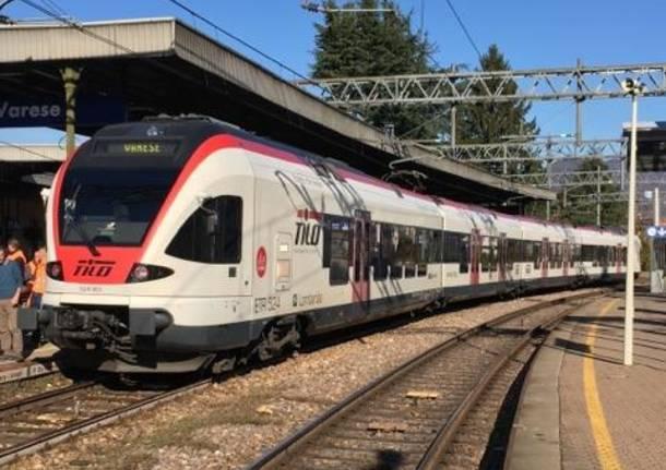 primo treno della Arcisate Stabio a Varese