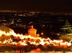 Fiaccolata al sacro Monte per salutare il 2017