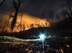 L'incendio di Oriano di notte