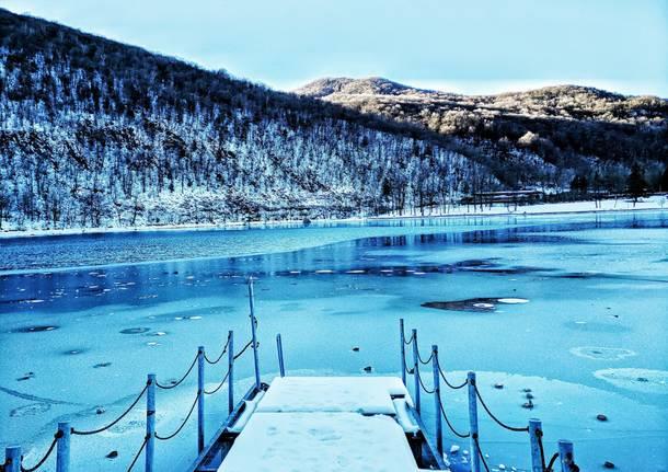 Lago di Ghirla ghiacciato