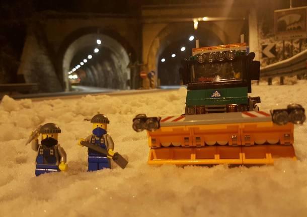 Lego spalano la neve