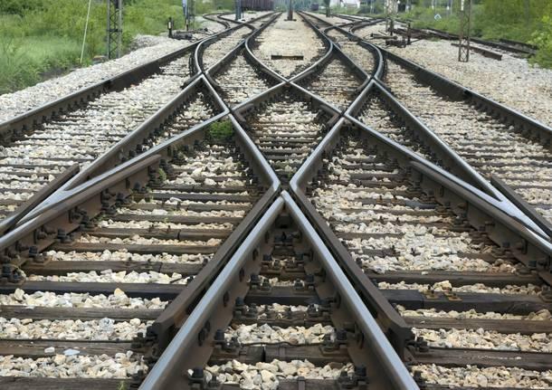 Caos treni: trovato un cadavere sulle rotaie. Ritardi e cancellazioni