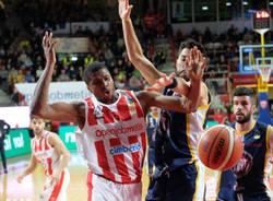 basket Openjobmetis Varese - Fiat Torino 89-92