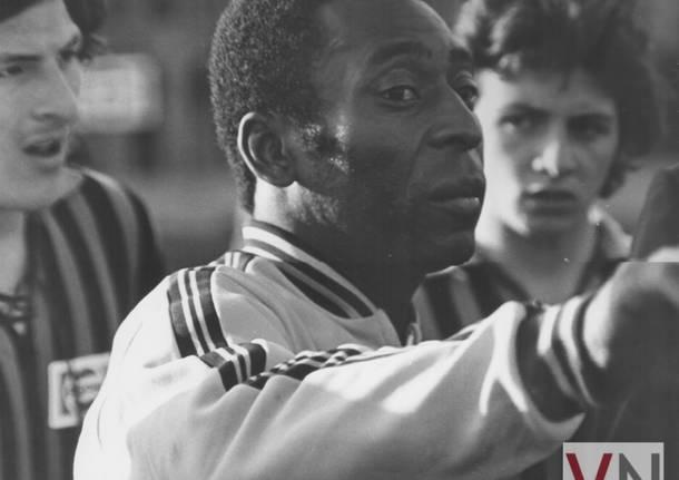 """ESCLUSIVO – Il mitico Pelé allo """"Speroni"""" di Busto Arsizio"""