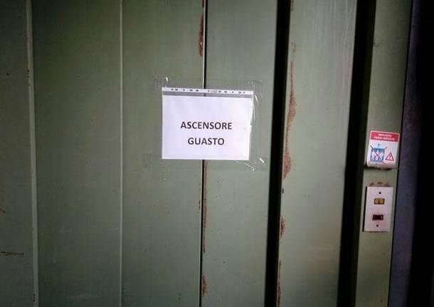ascensore guasto cimitero busto