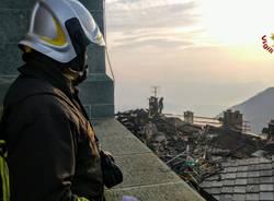 Incendio alla Sacra di San Michele: i Vigili del fuoco al lavoro