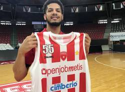 basket pallacanestro Varese Tyler Larson
